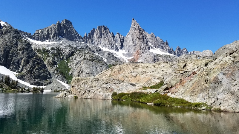 eastern sierra mountains- best hikes in Mammoth lakes- Mono County.