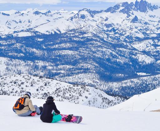 Mammoth Lakes Winter, Mammoth Lakes in winter, Mammoth Lakes Rentals,  Mammoth Mountain Ski Rentals,  Mammoth Mountain Snowboarding, IKON Pass, Mammoth Lakes,  Mammoth Ski Lessons